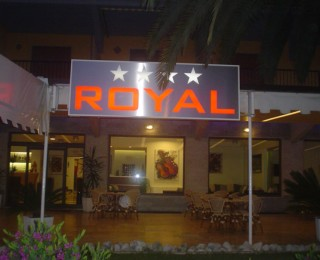 (Italiano) Hotel Royal